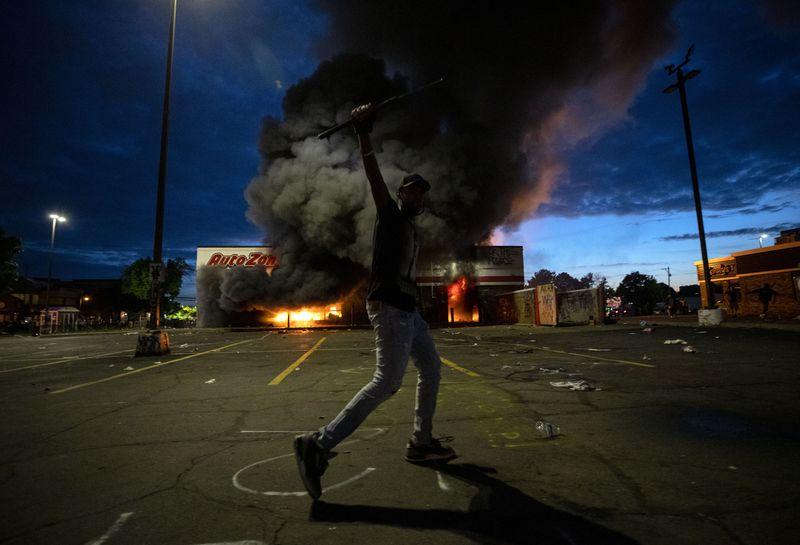 Autozone Burning Minneapolis